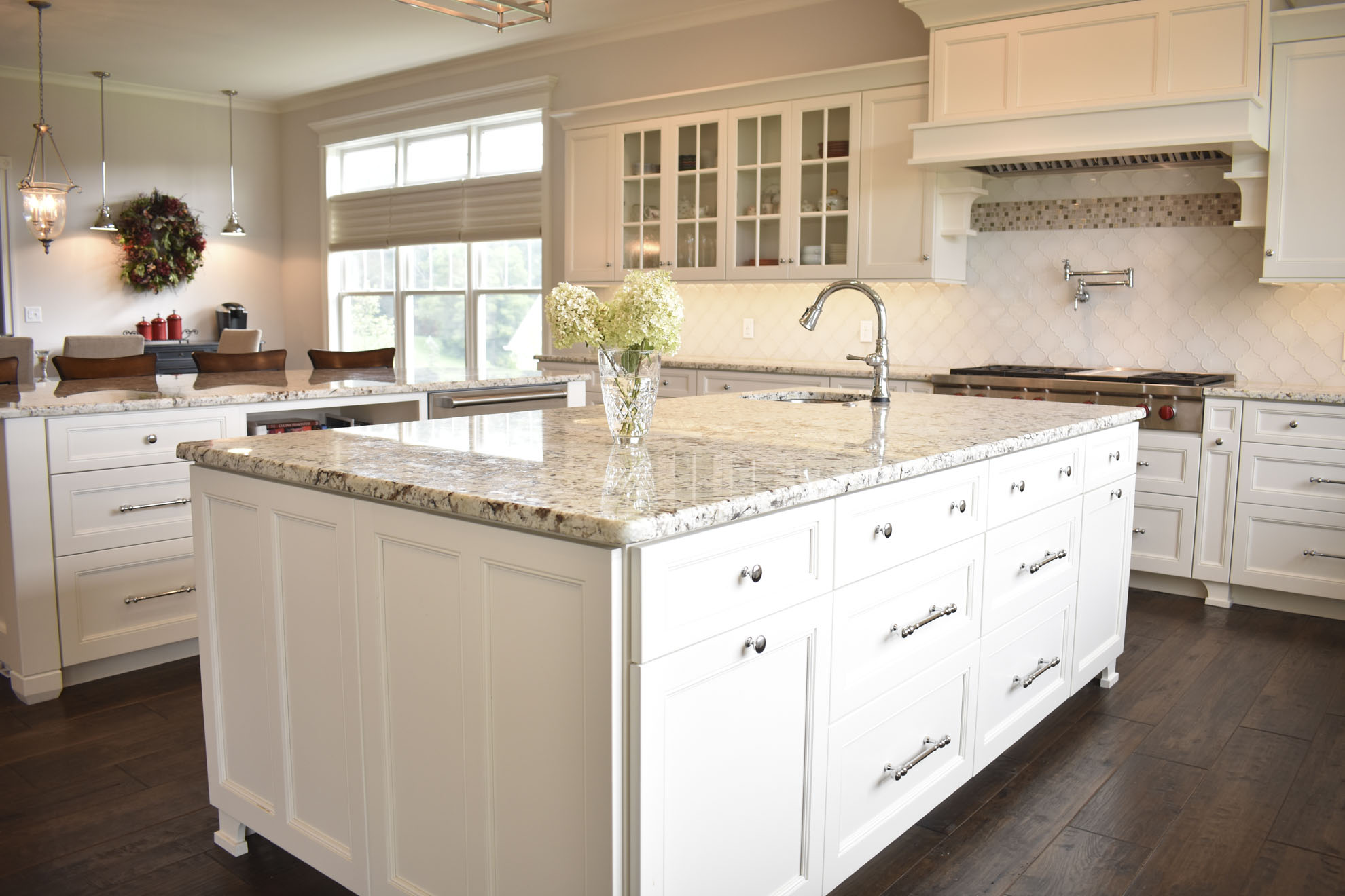 How To Choose the Perfect Kitchen Island for Your Kitchen